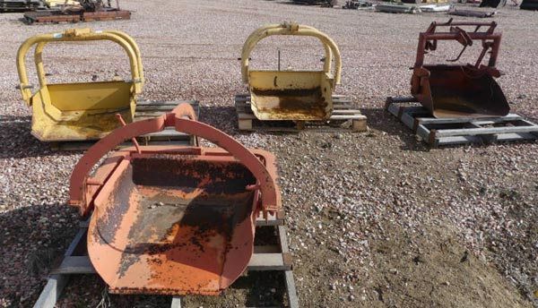 Used -- 3 point dirt scoops