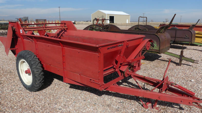 Used -- international pto driven manure spreader