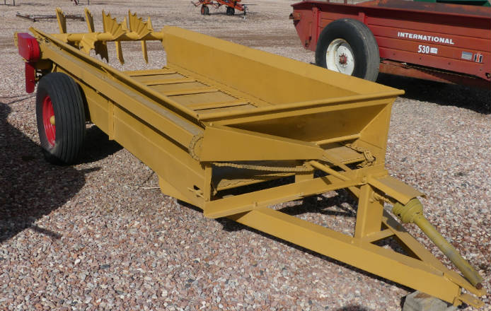 used kelly ryan (5x10) pto driven manure spreader --reconditioned/100-110 bushel