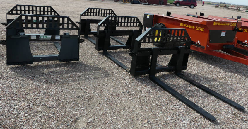 New Quick Attach bucket forks - 4,000 lbs. capacity