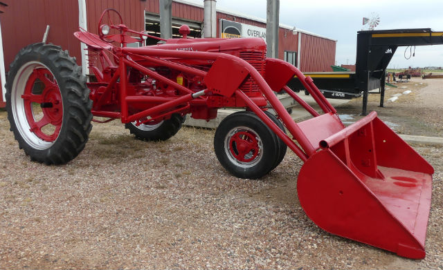 Used - Farmall h loader tractor -- fresh overhauled engine,  							new clutch, new rear tires, new battery, new steering wheel
