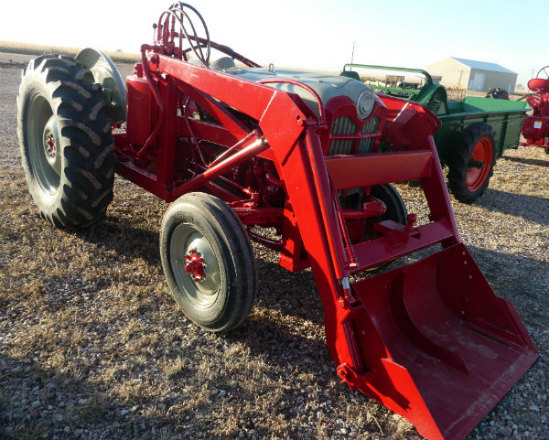 Used - Ford 841 with loader, 44HP